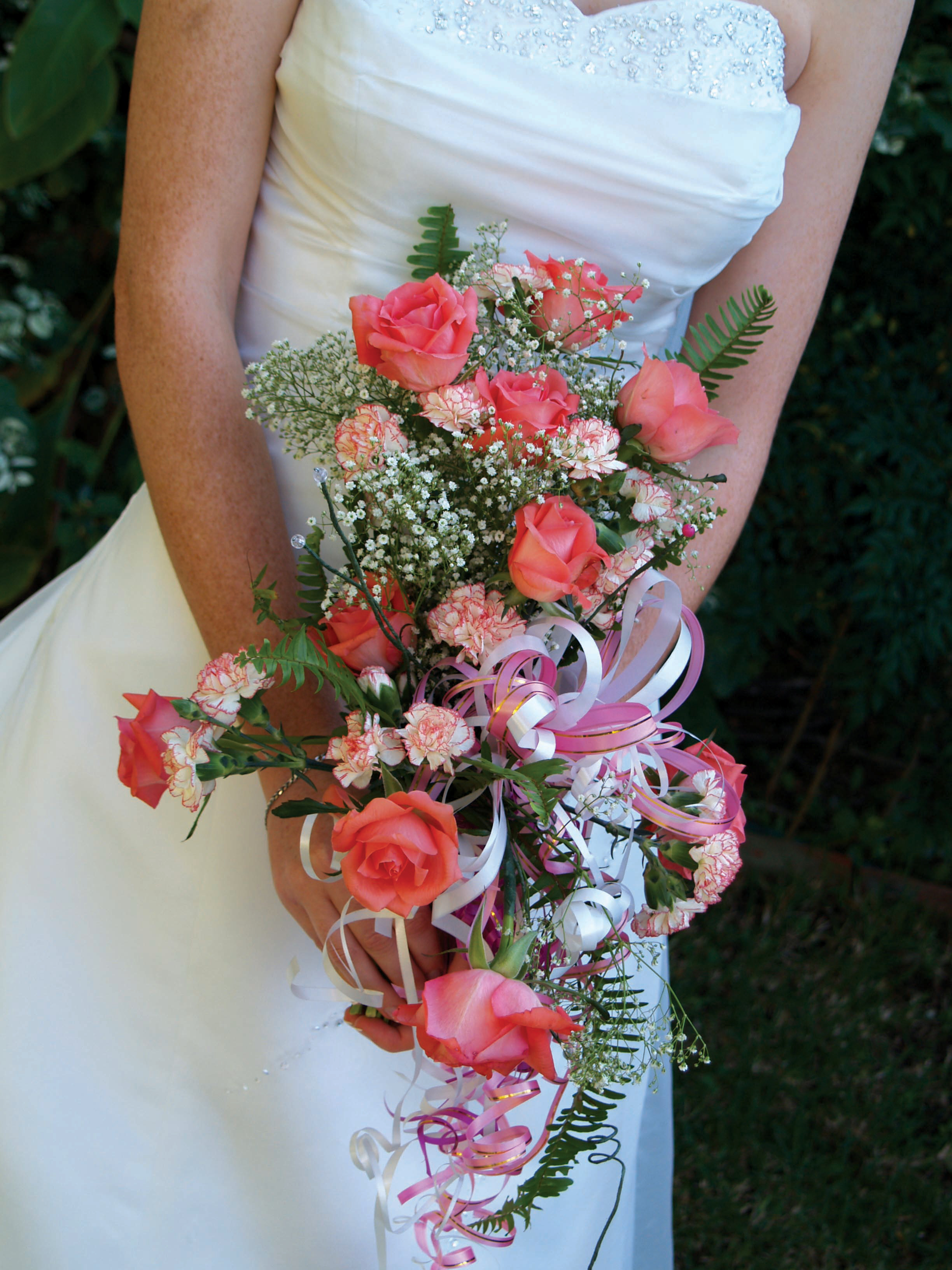 Buying a wedding dress from the internet or abroad for Bouquet internet