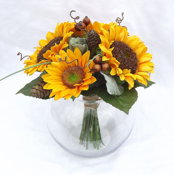 Sunflower table centrepiece - etsy.com