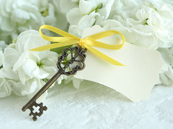 Yellow ribbon key escort cards