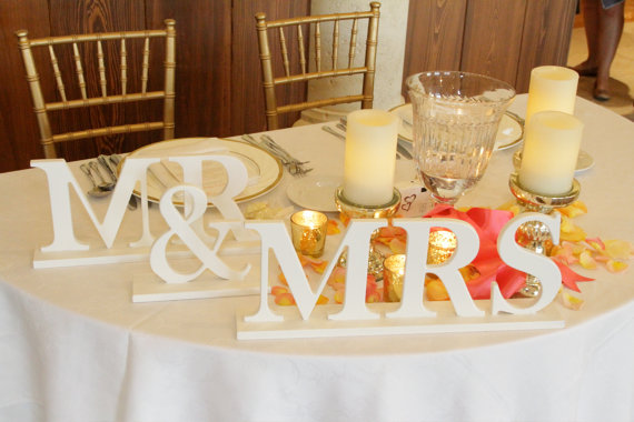 Mr & Mrs sign on wedding top table